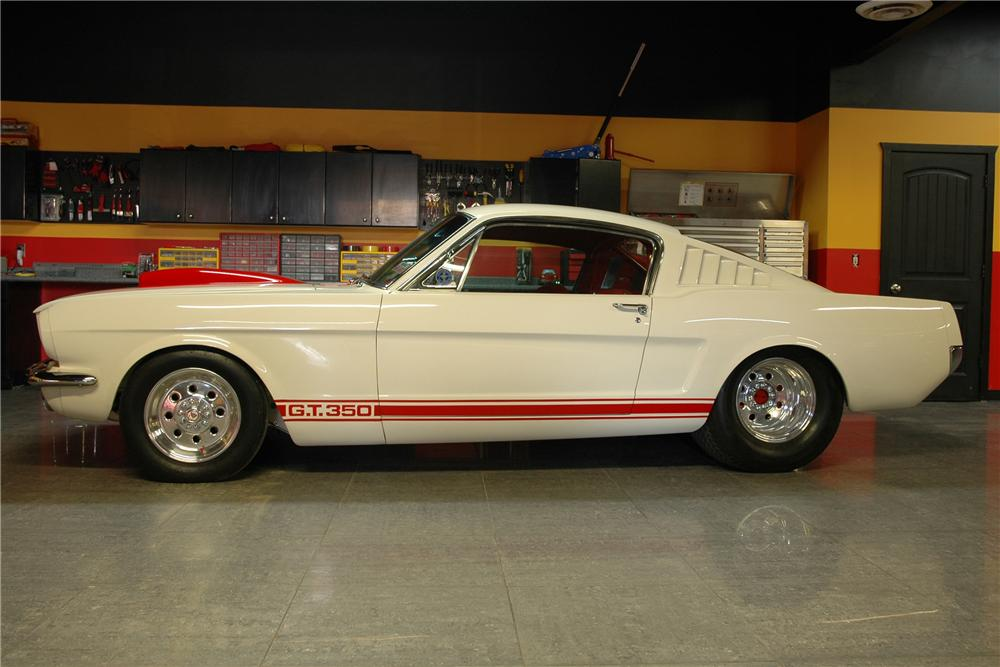 1965 FORD MUSTANG CUSTOM FASTBACK - Side Profile - 82021
