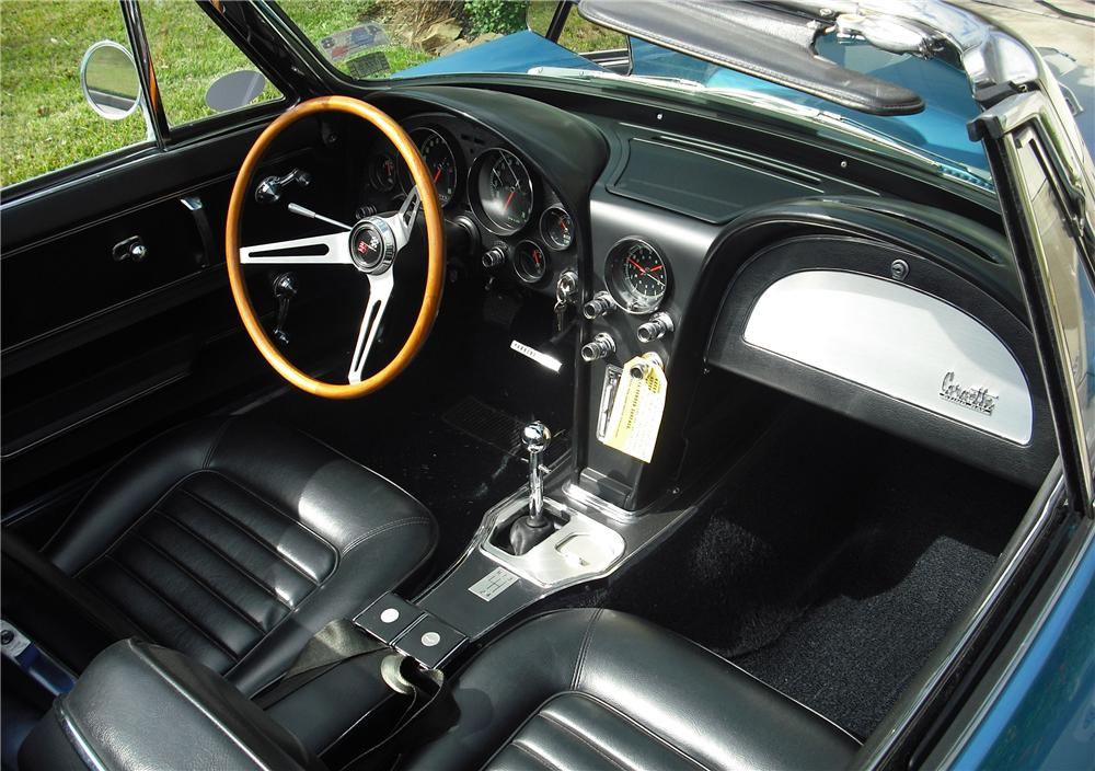 1966 CHEVROLET CORVETTE CONVERTIBLE - Interior - 82032