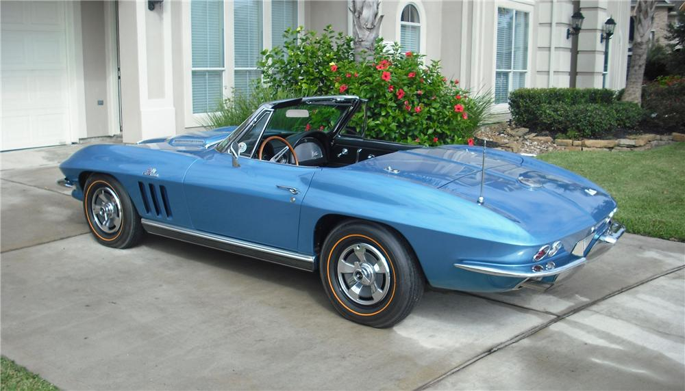 1966 CHEVROLET CORVETTE CONVERTIBLE - Rear 3/4 - 82032