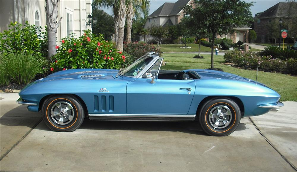 1966 CHEVROLET CORVETTE CONVERTIBLE - Side Profile - 82032