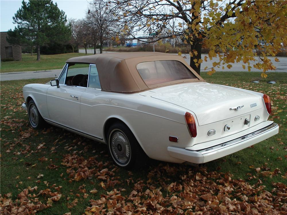 1978 ROLLS-ROYCE CORNICHE 2 DOOR CONVERTIBLE - Rear 3/4 - 82038