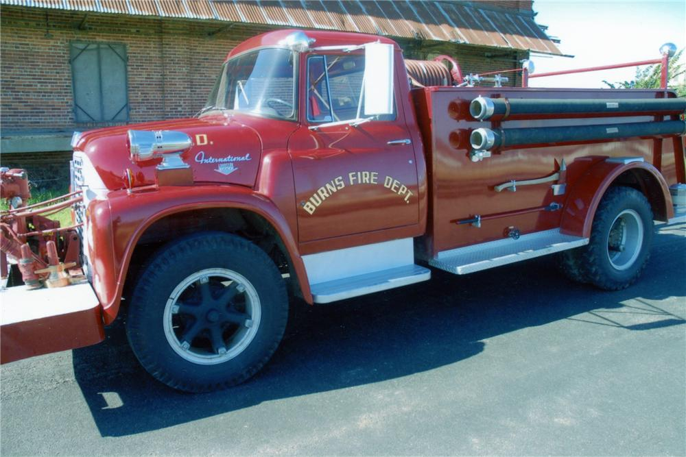 1964 INTERNATIONAL 1600 AMERICAN FIRE APPARATUS - Front 3/4 - 82040