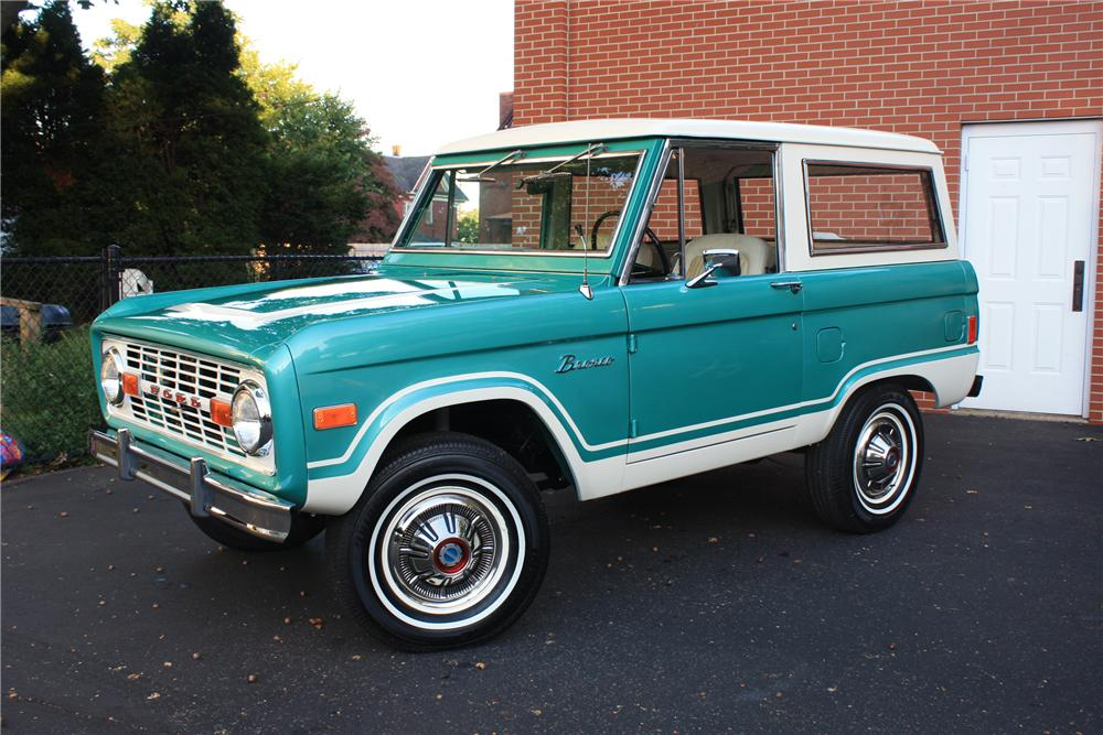 1977 FORD BRONCO   - Front 3/4 - 82041