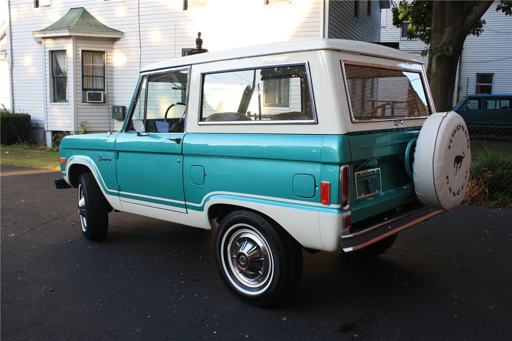 1977 FORD BRONCO   - Rear 3/4 - 82041