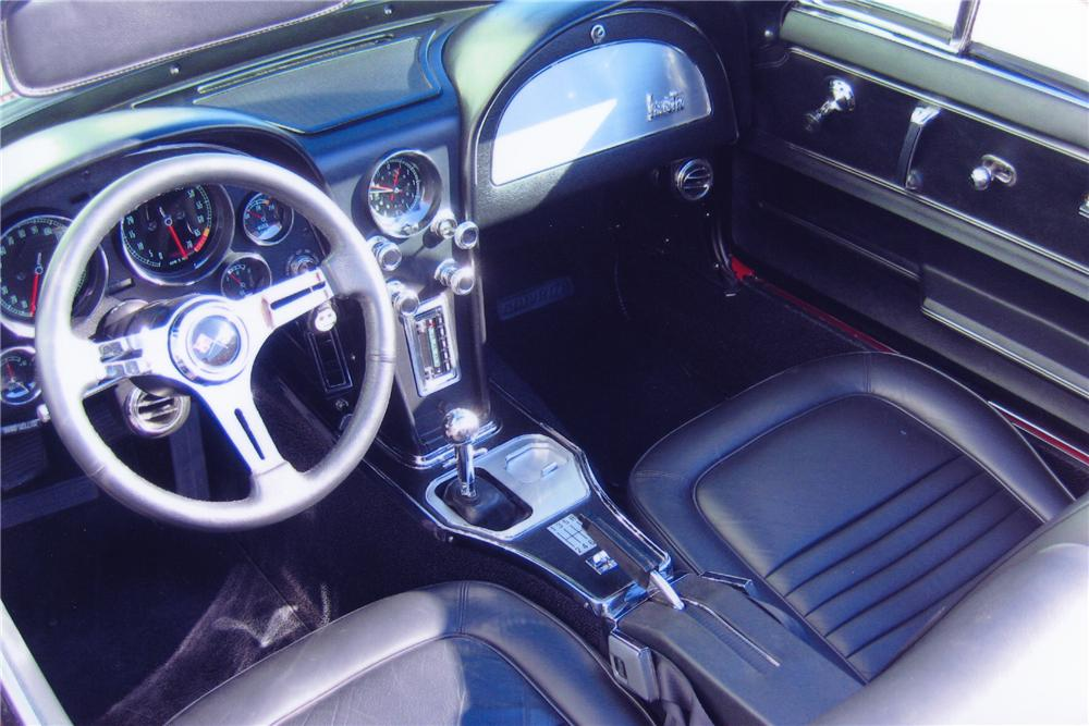 1967 CHEVROLET CORVETTE CUSTOM CONVERTIBLE - Interior - 82090