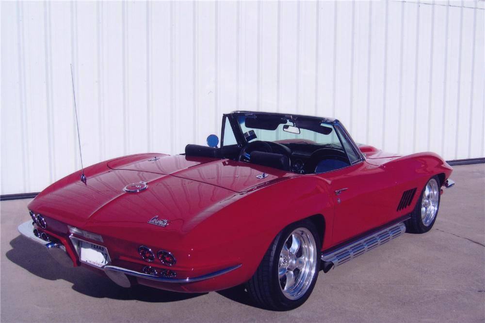 1967 CHEVROLET CORVETTE CUSTOM CONVERTIBLE - Rear 3/4 - 82090