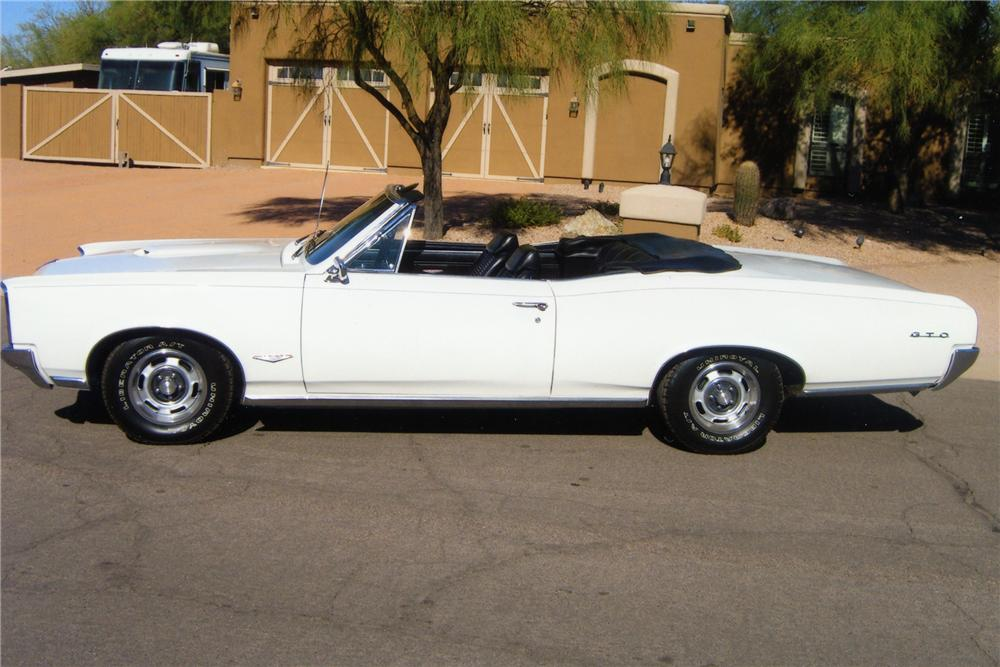 1966 PONTIAC GTO 2 DOOR CONVERTIBLE - Side Profile - 82094