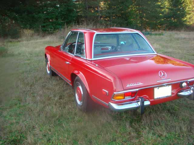 1971 MERCEDES-BENZ 280SL ROADSTER - Rear 3/4 - 82103