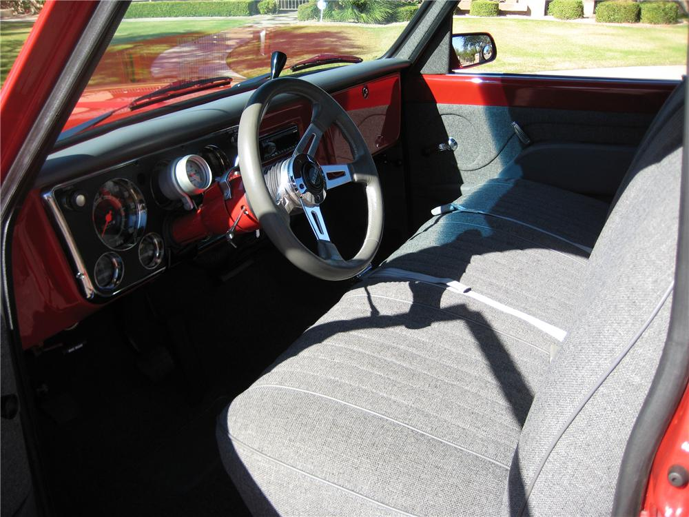 1970 GMC CUSTOM SHORTBED PICKUP - Interior - 82110