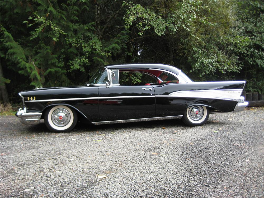 1957 CHEVROLET BEL AIR 2 DOOR HARDTOP - Side Profile - 82112