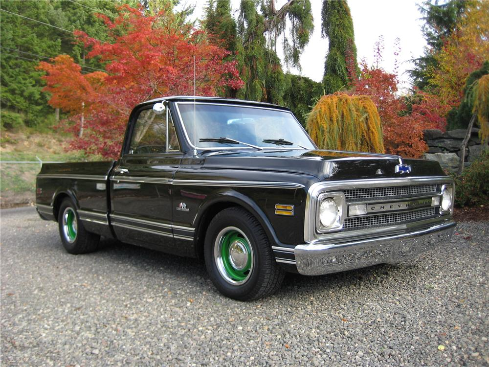 1970 CHEVROLET C-10 CUSTOM PICKUP - Front 3/4 - 82119