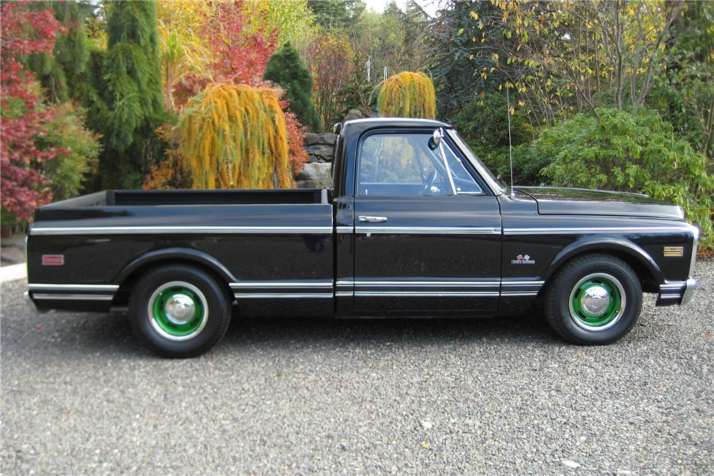 1970 CHEVROLET C-10 CUSTOM PICKUP - Side Profile - 82119