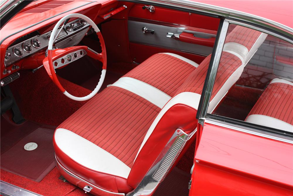 1961 CHEVROLET IMPALA CUSTOM 2 DOOR HARDTOP - Interior - 82122
