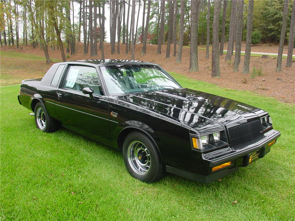 1987 BUICK REGAL GRAND NATIONAL COUPE - Front 3/4 - 82124
