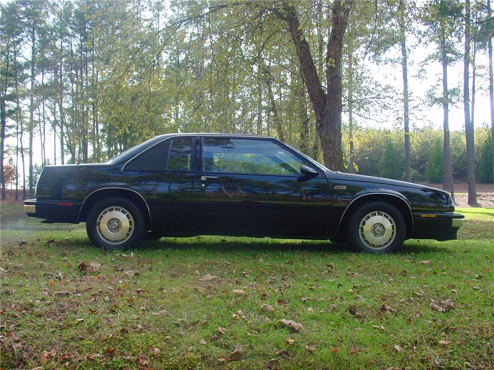 1986 BUICK GRAND NATIONAL COUPE - Side Profile - 82125