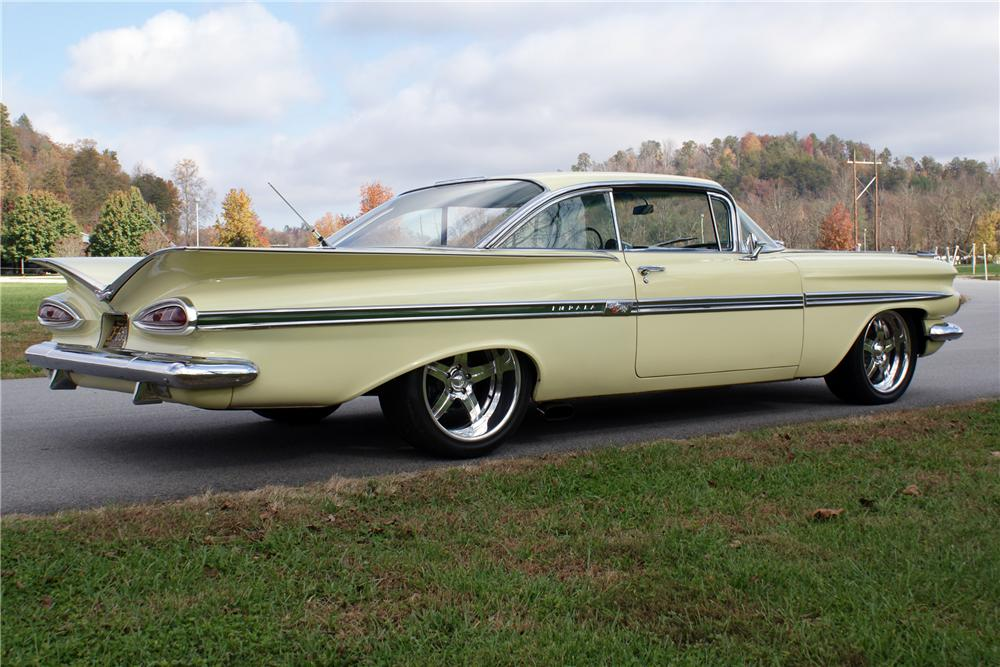 1959 CHEVROLET IMPALA 2 DOOR SPORT COUPE - Rear 3/4 - 82131
