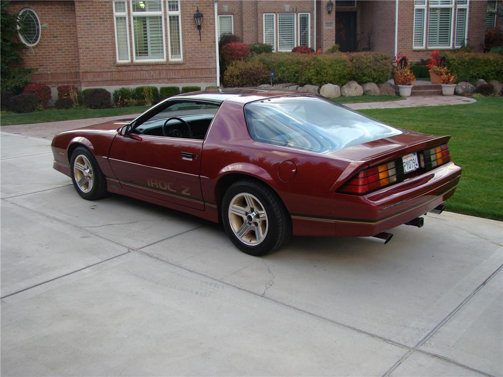 1988 CHEVROLET CAMARO IROC Z COUPE - Rear 3/4 - 82139