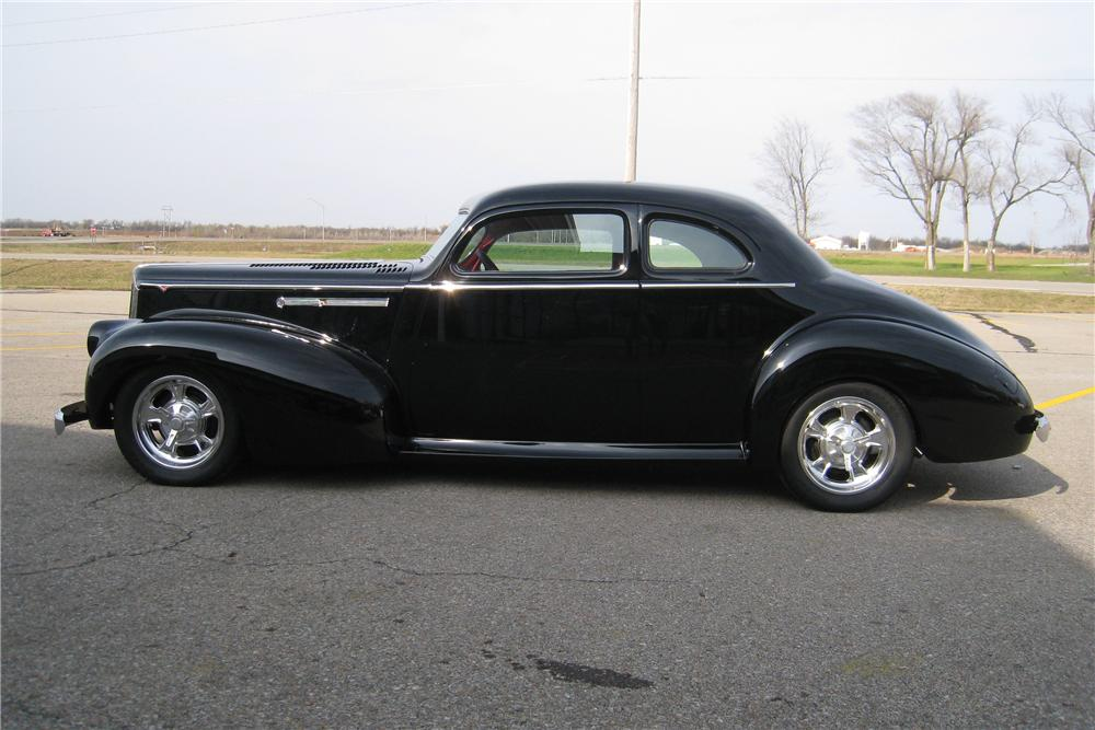 1941 PACKARD CUSTOM COUPE - Side Profile - 82143