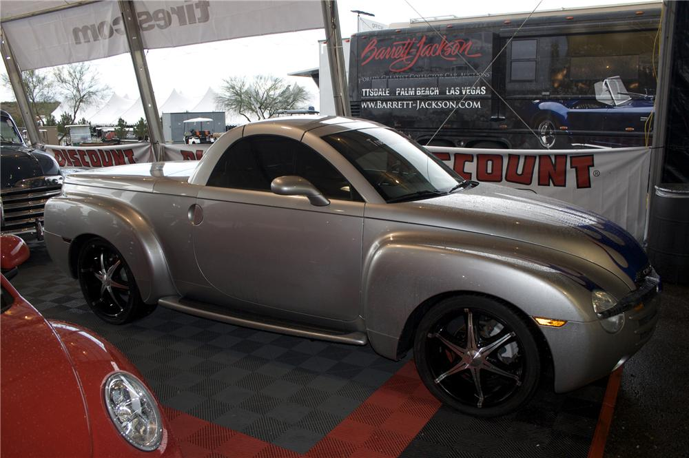 2004 CHEVROLET SSR PICKUP - Side Profile - 82144