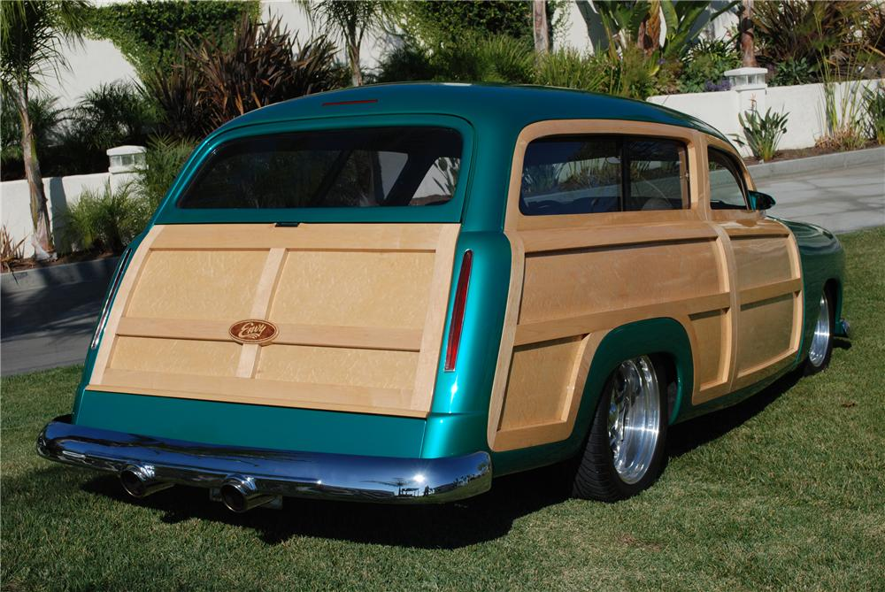1950 FORD CUSTOM WOODY STATION WAGON - Rear 3/4 - 82158