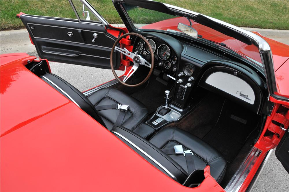1965 CHEVROLET CORVETTE CONVERTIBLE - Interior - 82168