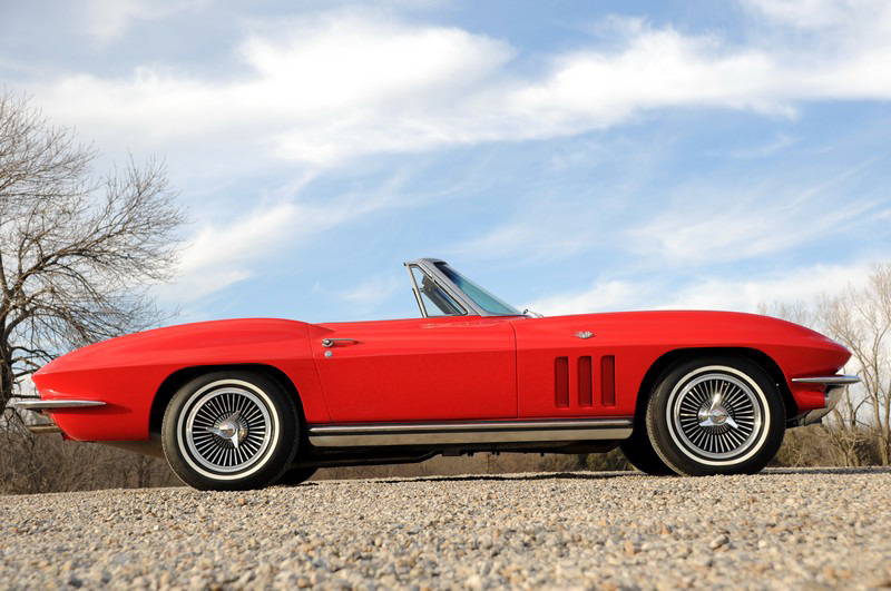 1965 CHEVROLET CORVETTE CONVERTIBLE - Side Profile - 82168