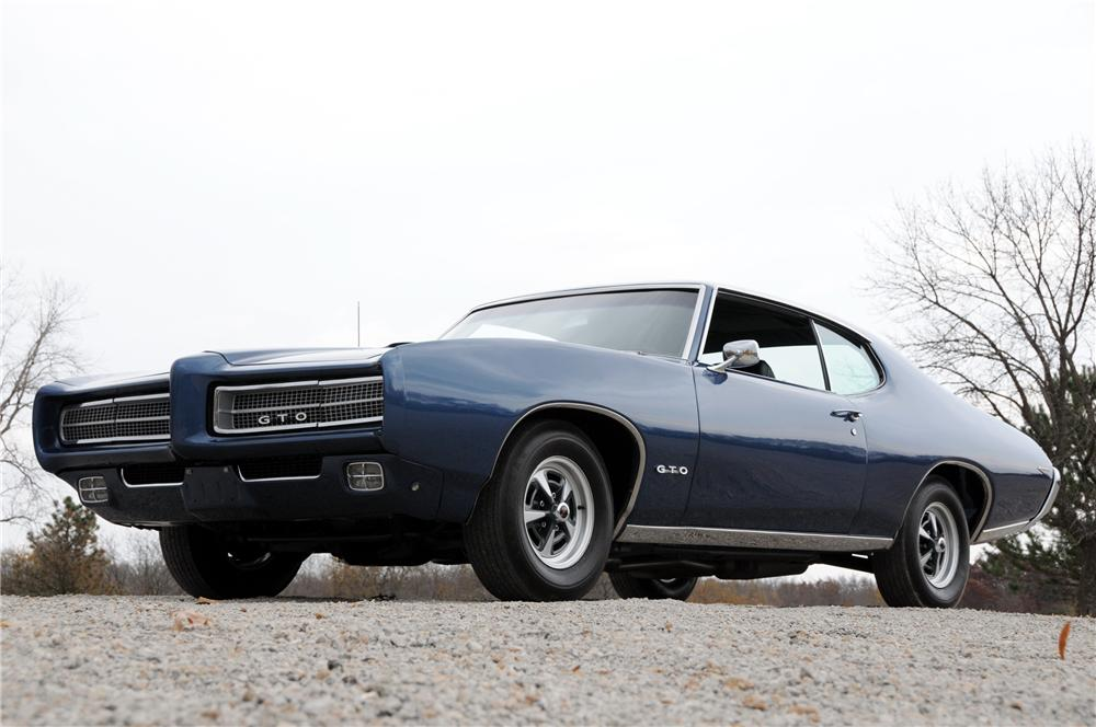 1969 PONTIAC GTO COUPE - Front 3/4 - 82170