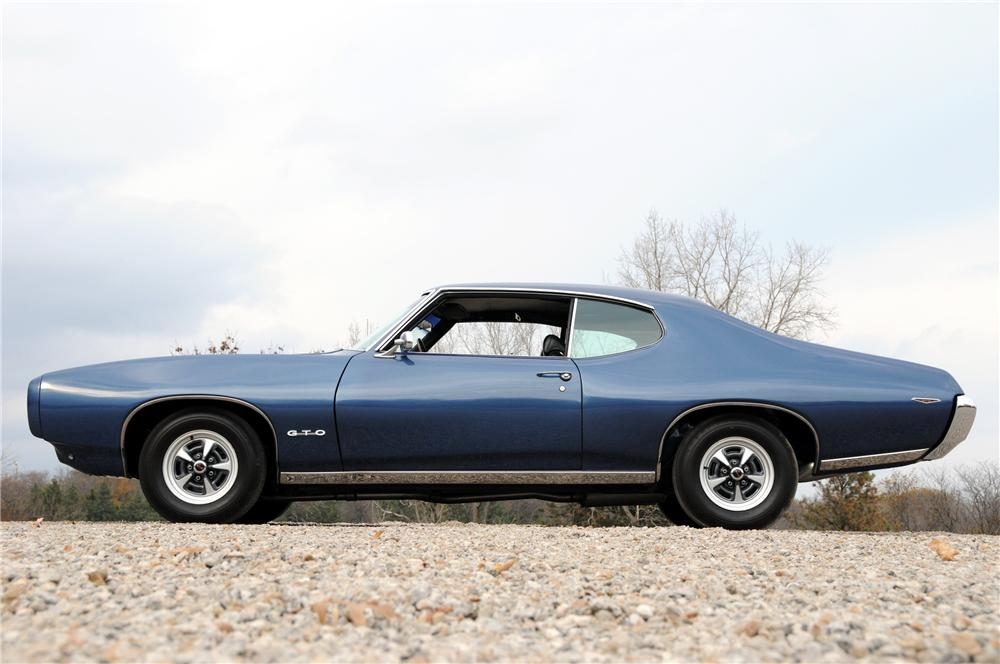 1969 PONTIAC GTO COUPE - Side Profile - 82170