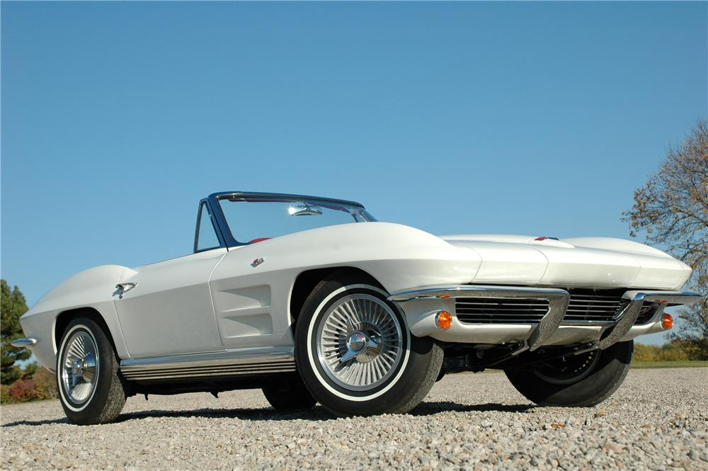 1964 CHEVROLET CORVETTE CONVERTIBLE - Front 3/4 - 82171