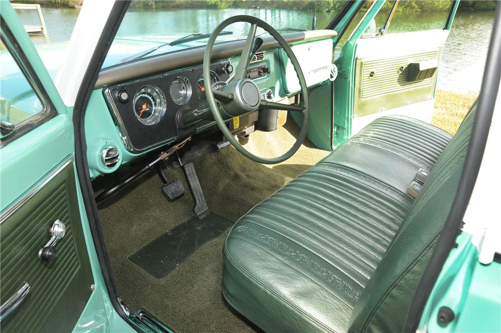 1968 CHEVROLET CUSTOM LWB PICKUP - Interior - 82193