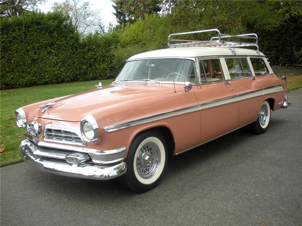 1955 CHRYSLER NEW YORKER TOWN & COUNTRY WAGON - Front 3/4 - 82232