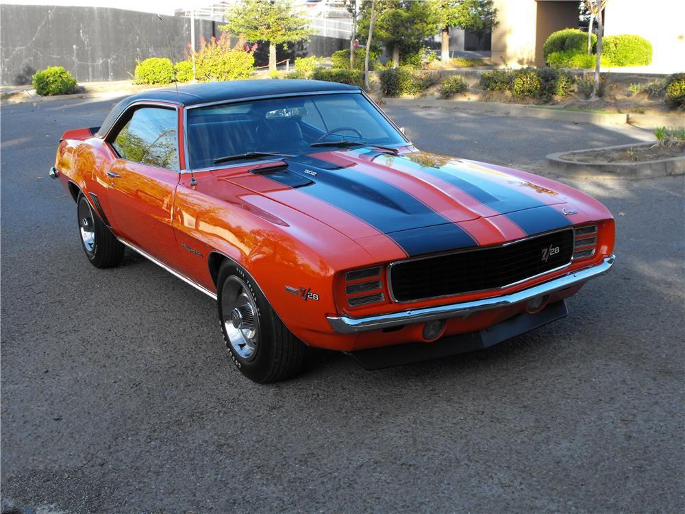 1969 CHEVROLET CAMARO Z/28 RS COUPE - Front 3/4 - 82239