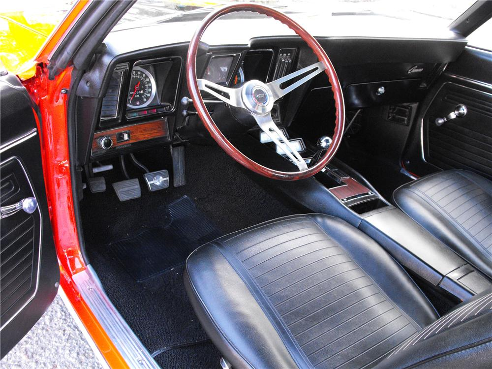 1969 CHEVROLET CAMARO Z/28 RS COUPE - Interior - 82239