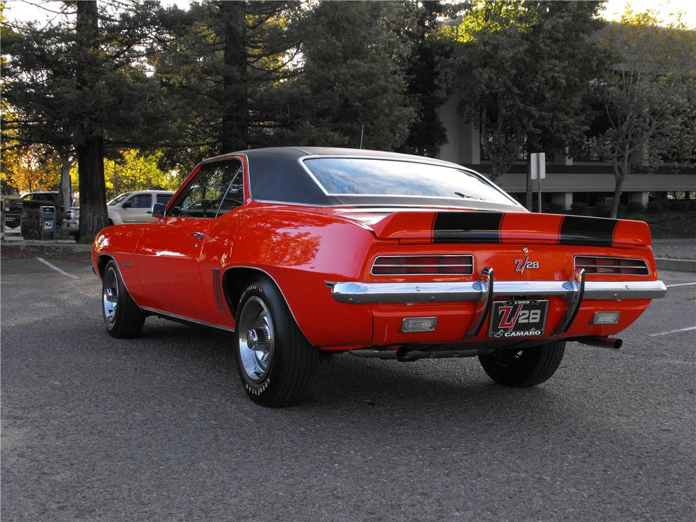1969 CHEVROLET CAMARO Z/28 RS COUPE - Rear 3/4 - 82239
