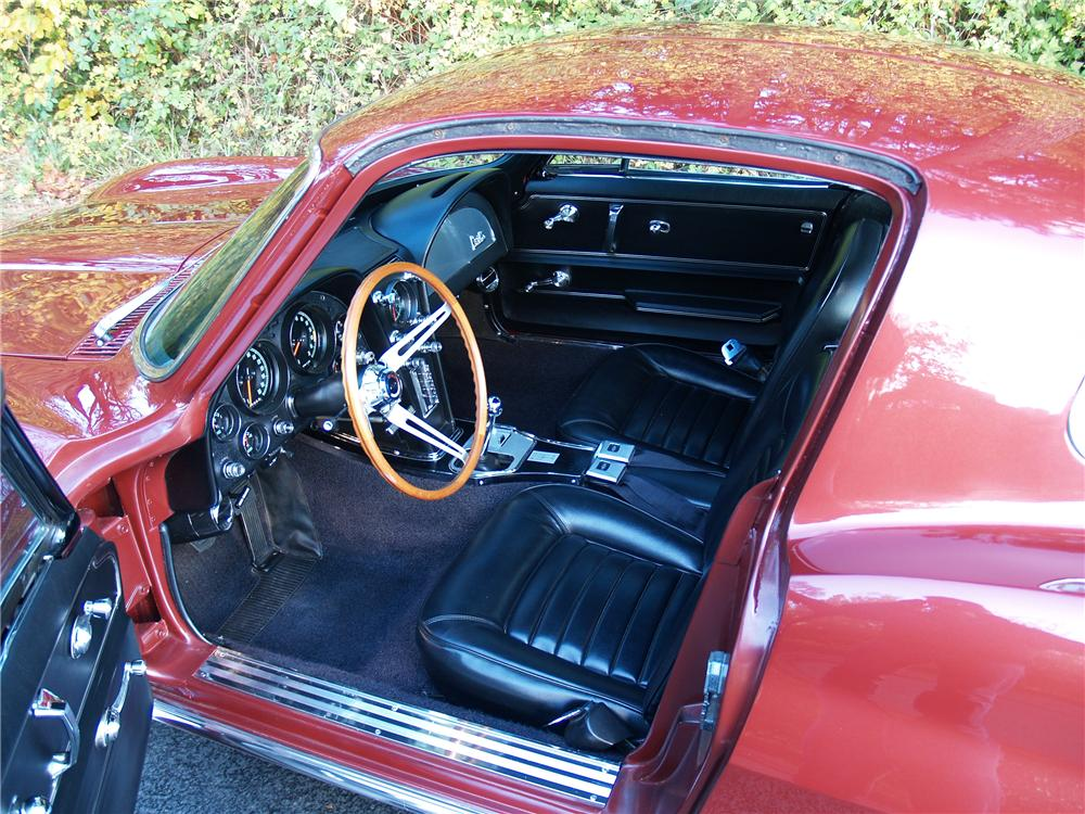 1966 CHEVROLET CORVETTE COUPE - Interior - 82290