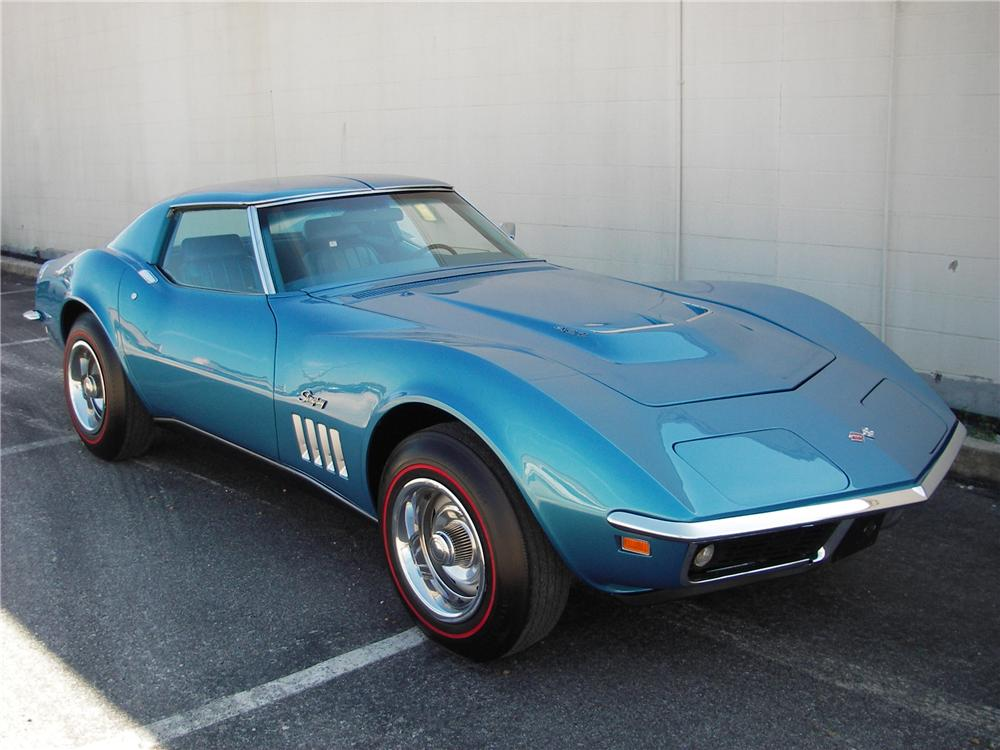 1969 CHEVROLET CORVETTE COUPE - Front 3/4 - 82302