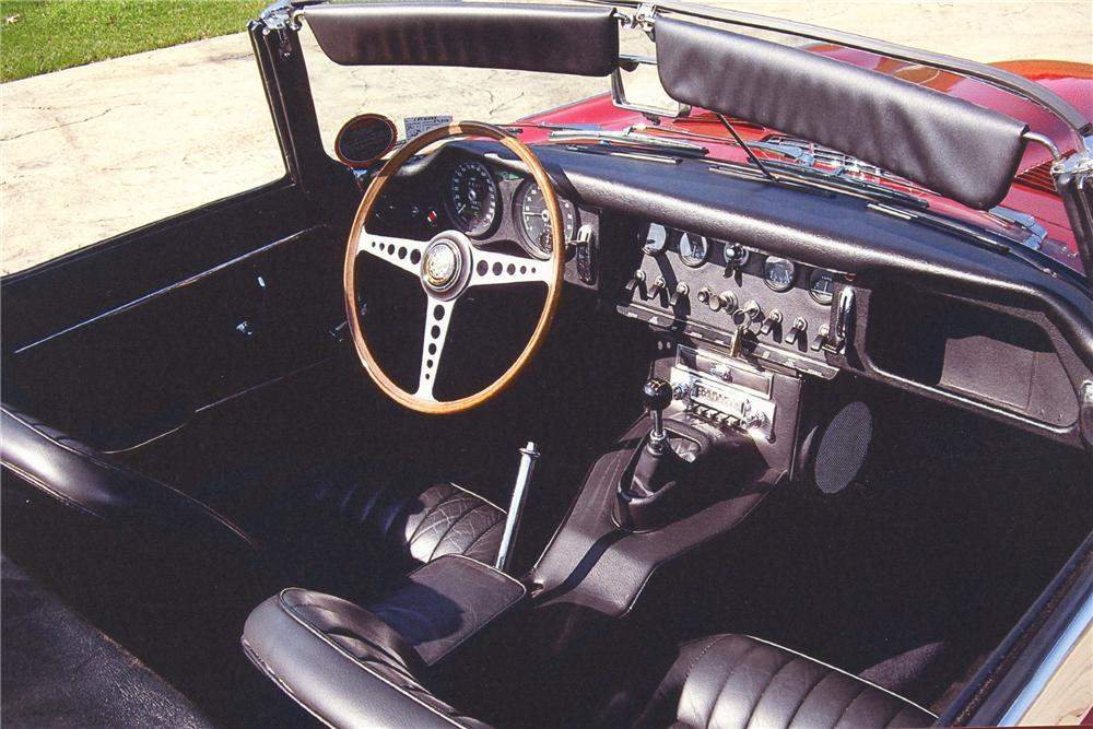 1967 JAGUAR XKE CONVERTIBLE - Interior - 82370