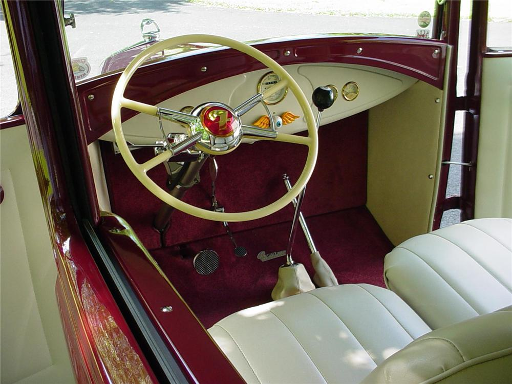 1930 FORD HI-BOY HOTROD SEDAN - Interior - 82448