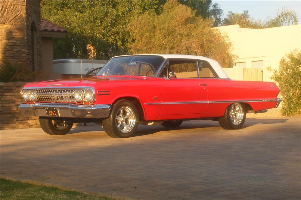 1963 CHEVROLET IMPALA 2 DOOR SPORT COUPE - Front 3/4 - 82504