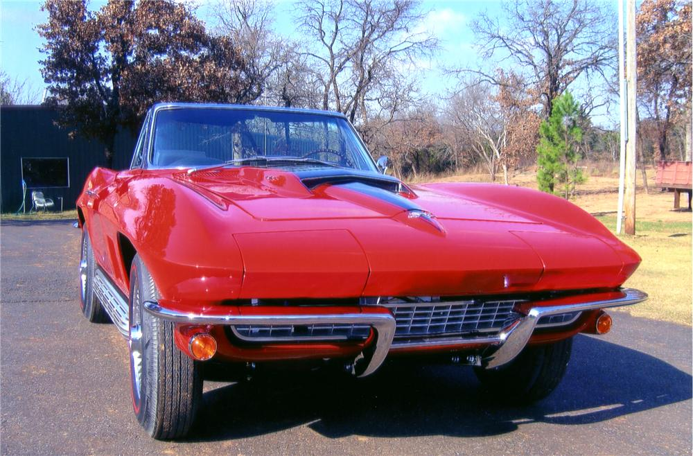 1967 CHEVROLET CORVETTE CONVERTIBLE - Front 3/4 - 82613