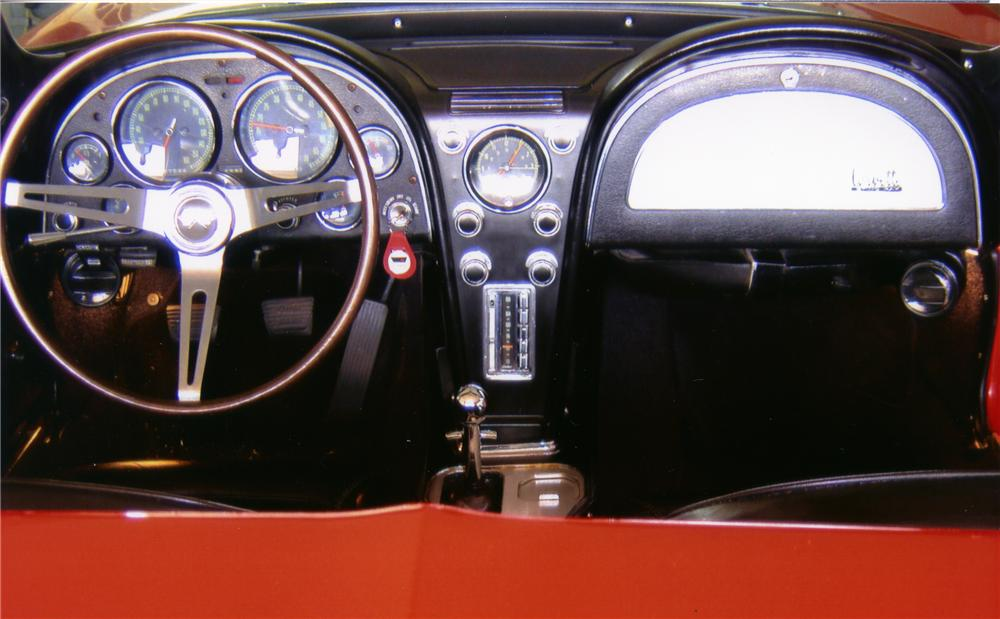 1967 CHEVROLET CORVETTE CONVERTIBLE - Interior - 82613