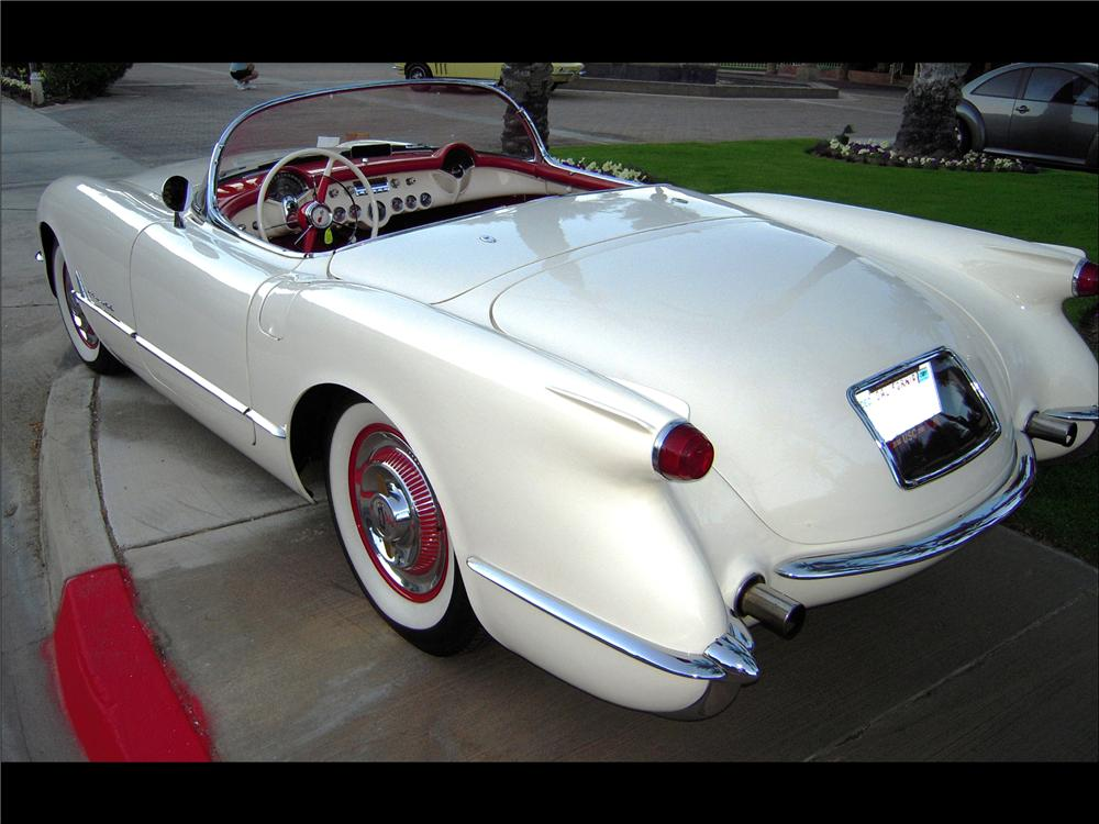 1954 CHEVROLET CORVETTE CONVERTIBLE - Rear 3/4 - 82617