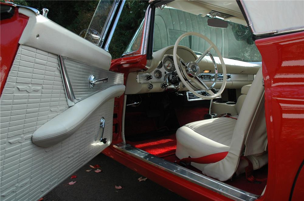 1957 FORD THUNDERBIRD CONVERTIBLE - Interior - 82622