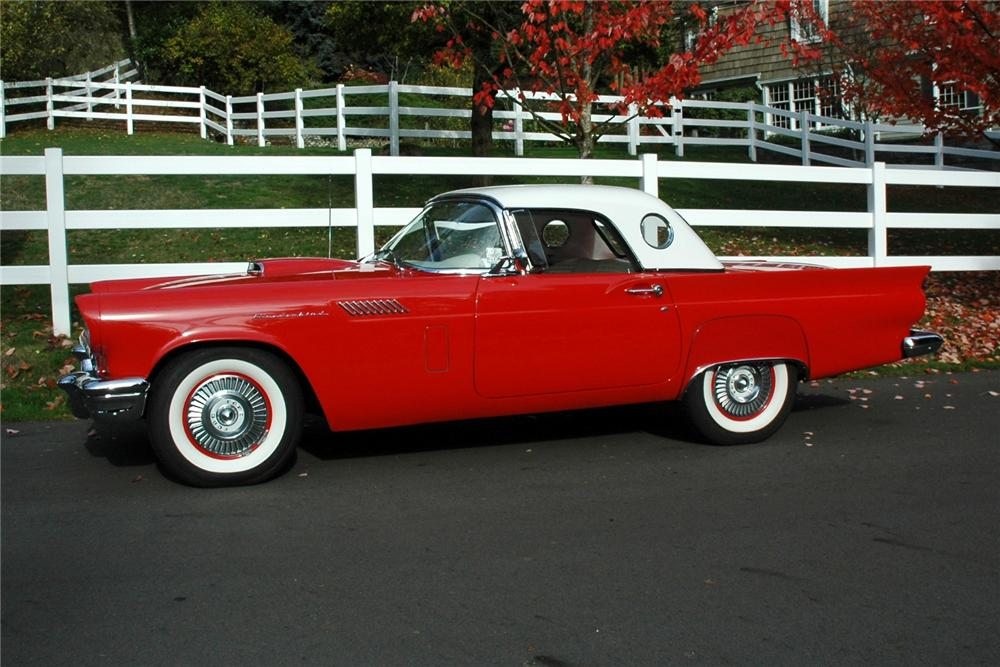 1957 FORD THUNDERBIRD CONVERTIBLE - Side Profile - 82622