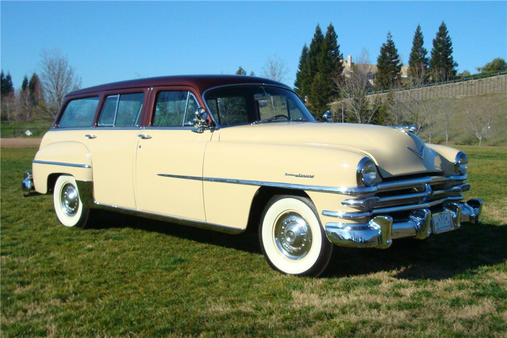 1953 CHRYSLER TOWN & COUNTRY STATION WAGON - Front 3/4 - 82627