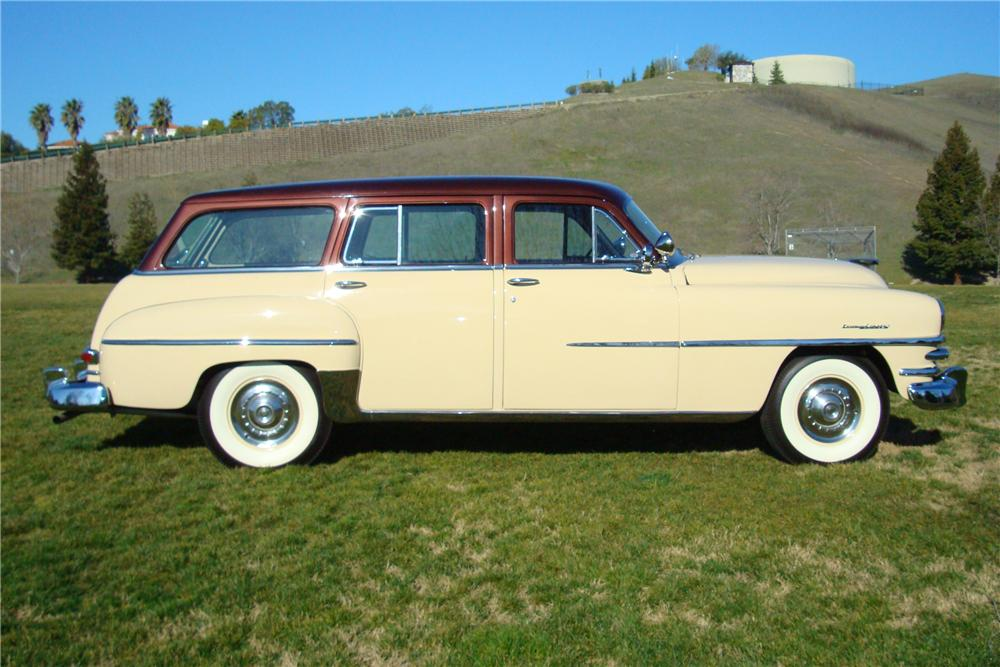 1953 CHRYSLER TOWN & COUNTRY STATION WAGON - Side Profile - 82627
