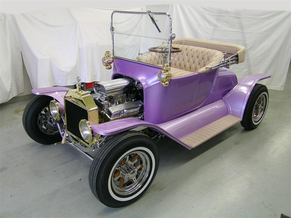 1913 FORD MODEL T CUSTOM ROADSTER - Front 3/4 - 82643