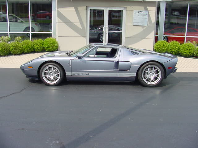 2006 FORD GT COUPE - Side Profile - 82648