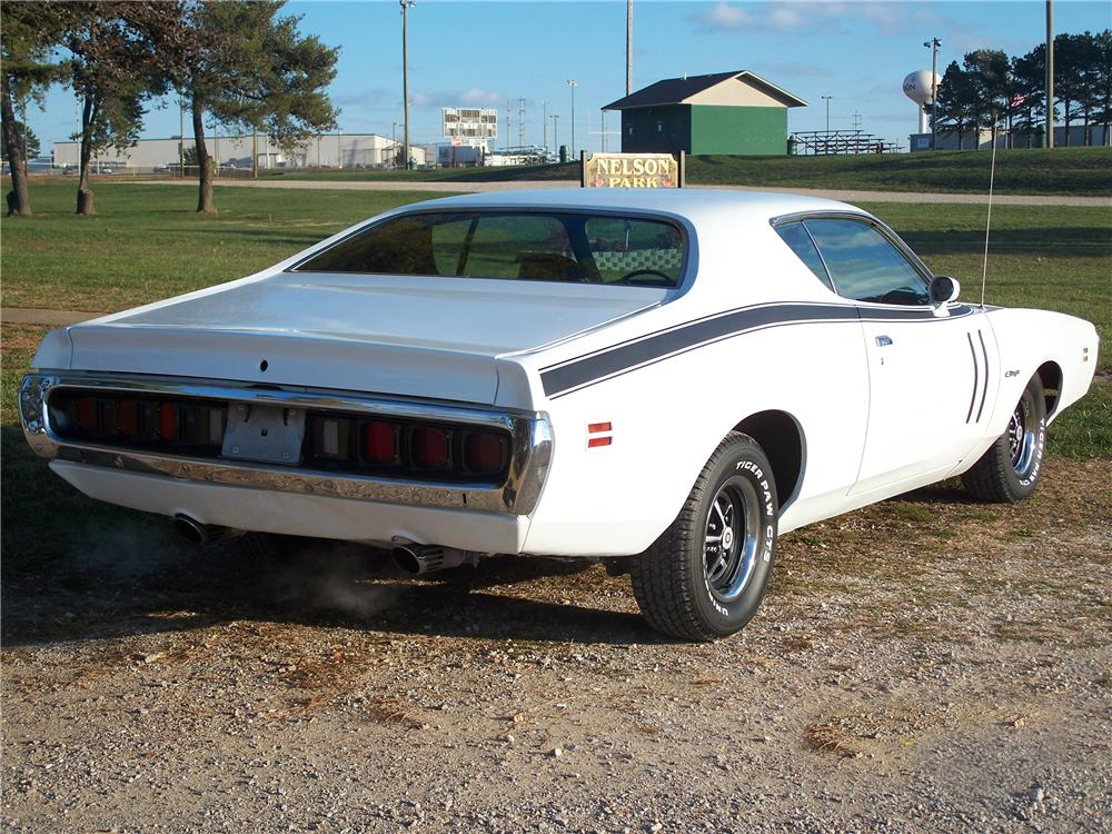 1971 DODGE CHARGER R/T 2 DOOR COUPE - Rear 3/4 - 82654