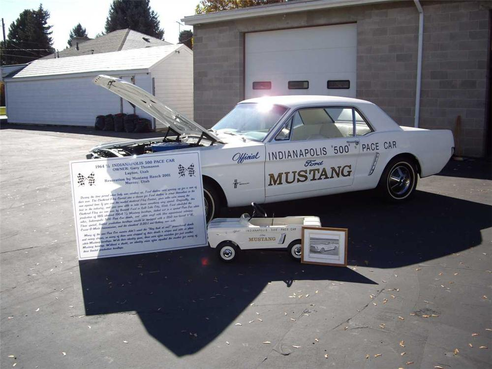1965 FORD MUSTANG PACE CAR COUPE - Rear 3/4 - 82676